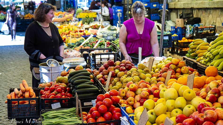 barcelos market fruits and vegetables