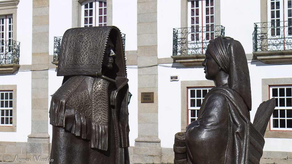 miranda do douro statues