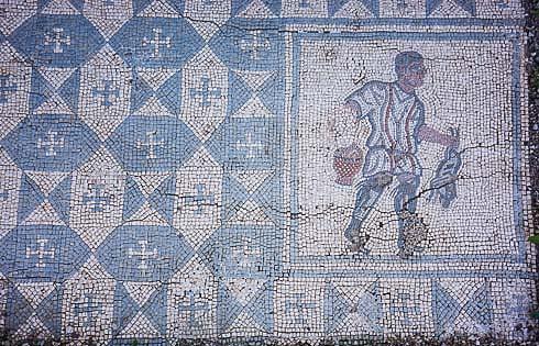 conimbriga hunter mosaic picture
